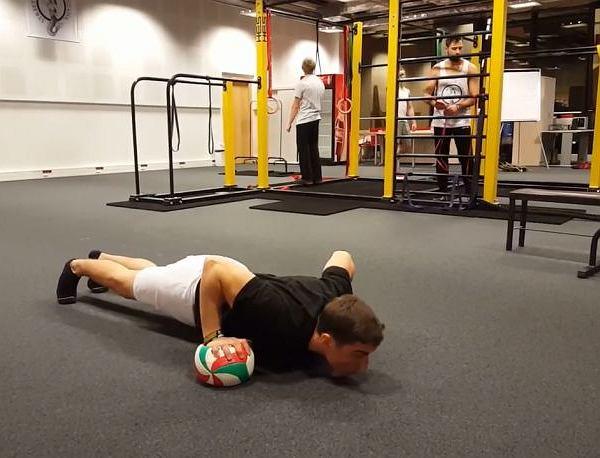 Tygodniowy zestaw ćwiczeń - zadbaj o formę na święta