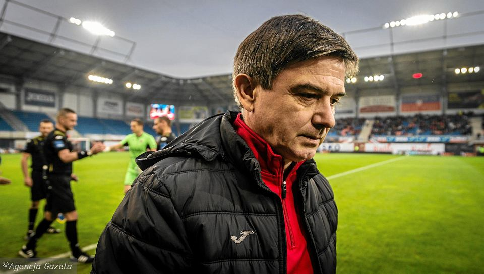 Waldemar Fornalik, trener Piasta na stadionie w Gliwicach