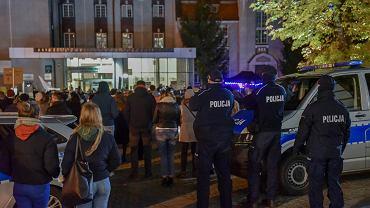Zielona Góra.  Opracowano plan budowy placu praw kobiet obok komisariatu policji
