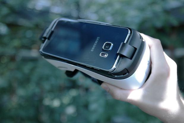 Gogle Samsung Gear VR Lite ze smartfonem Samsung Galaxy S6 edge+