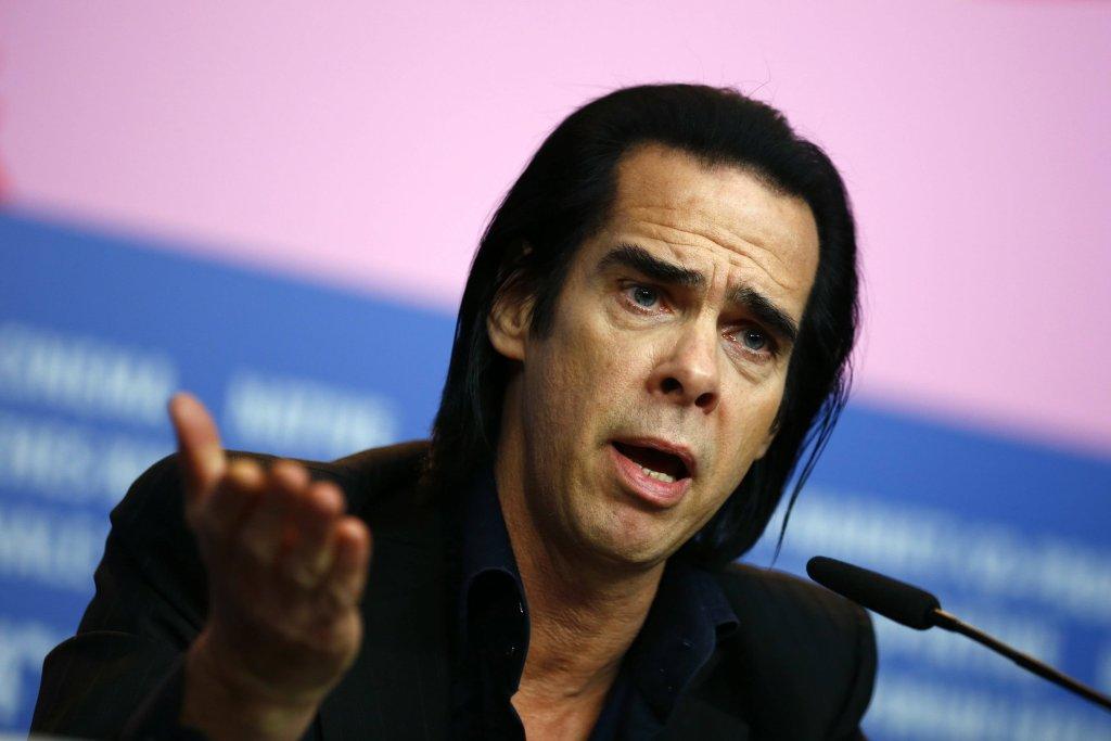 Nick Cave podczas konferencji prasowej w Berlinie