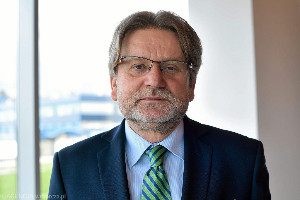 Dr Jarosław Piknas