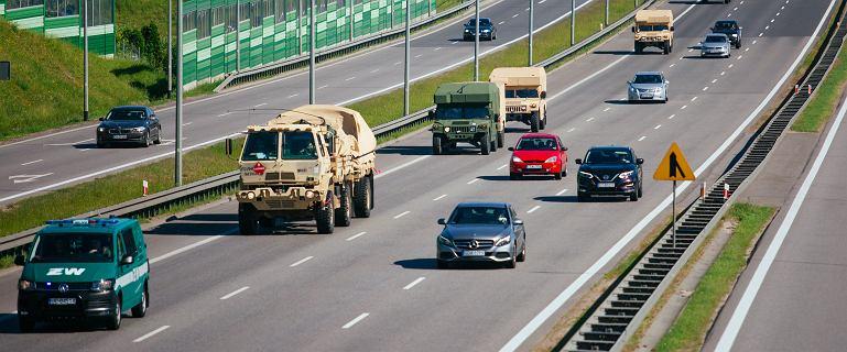 Wojskowe kolumny wyjechały na polskie drogi. Wyjaśniamy, dlaczego