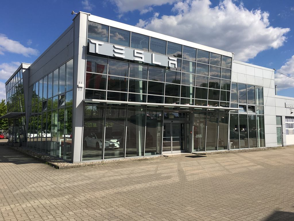 Tesla otworzyła centrum serwisowe pod Warszawą. Poszukuje pracowników (zdjęcie ilustracyjne)