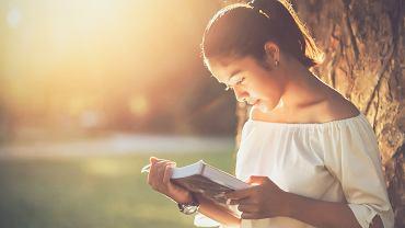 Książki dla 10-latki mogą poruszać wiele tematów. Zdjęcie ilustracyjne