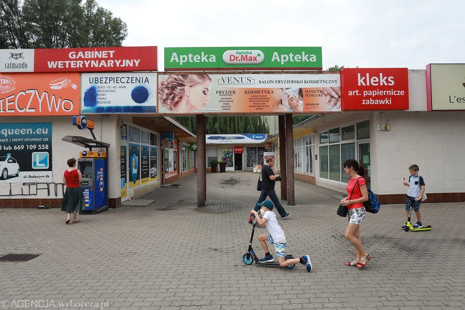Centrum Handlowe przy ul. Radarowej 4 B. Warszawa, 25 czerwca 2021