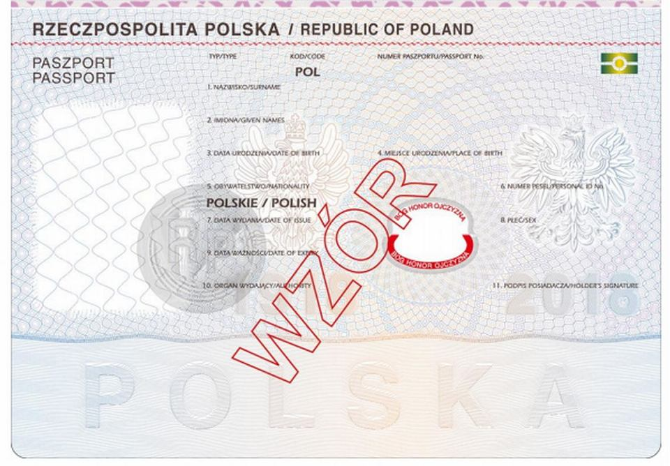 https://bi.im-g.pl/im/ce/04/17/z24134350V,Projekt-nowego-paszportu--Pod-polem-z-data-urodzen.jpg