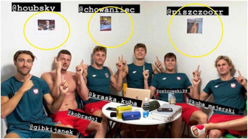 Polscy pływacy zawiesili zdjęcia nieobecnych w Tokio na ścianie pokoju w wiosce olimpijskiej
