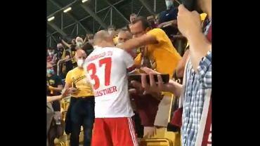 Skandal w Pucharze Niemiec. Leistern zaatakował kibica