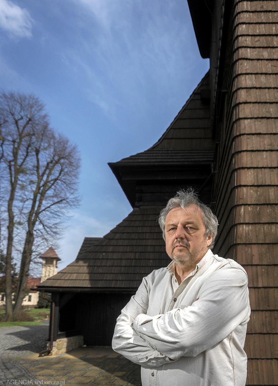 Jacek Kubik, autor albumu 'Kościoły drewniane na Śląsku'