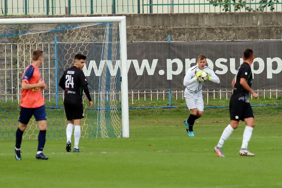 Zdjęcie numer 39 w galerii - Bez bramek w meczu piłkarzy Warty Gorzów, rozgrywanym przy pustych trybunach [ZDJĘCIA]