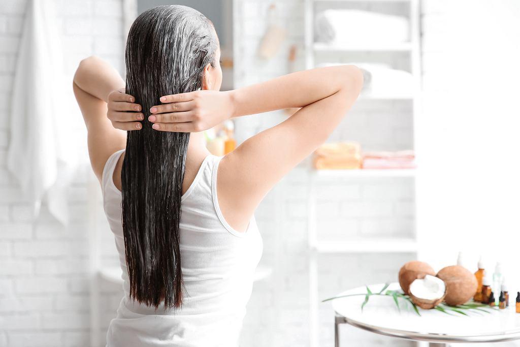 Niszczone włosy - pielęgnacja po ciąży