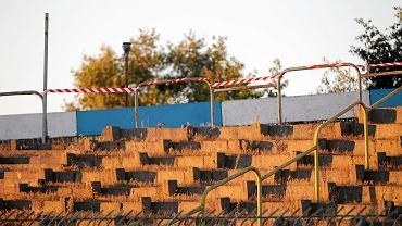Trybuny na stadionie w Olsztynie