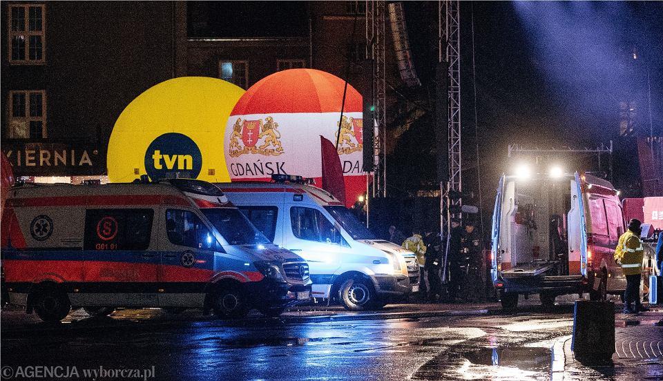 Zdjęcie numer 2 w galerii - Atak na Adamowicza. Sprawca spędził noc nie w celi, tylko w szpitalu. Wcześniej był leczony psychiatrycznie