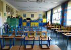 Rząd zamyka szkoły bez przygotowania. Edukatorzy komentują: Co z nauczycielkami, które pracują w przedszkolach?