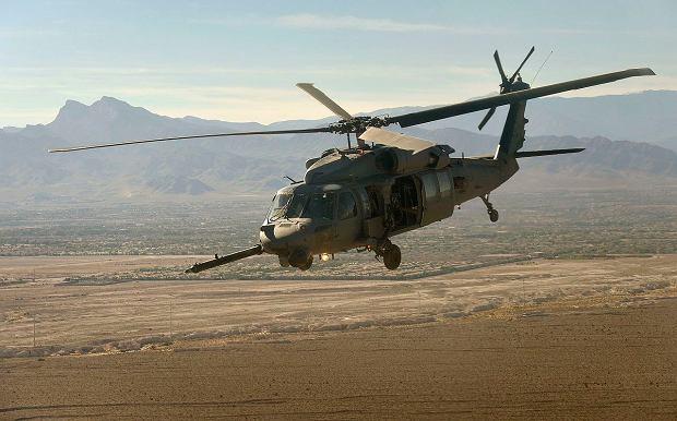 Wersje black hawków dla sił specjalnych mają dużo dodatkowego wyposażenia. Na przykład wyraźnie wystającą przed dziób sondę do pobierania paliwa w locie