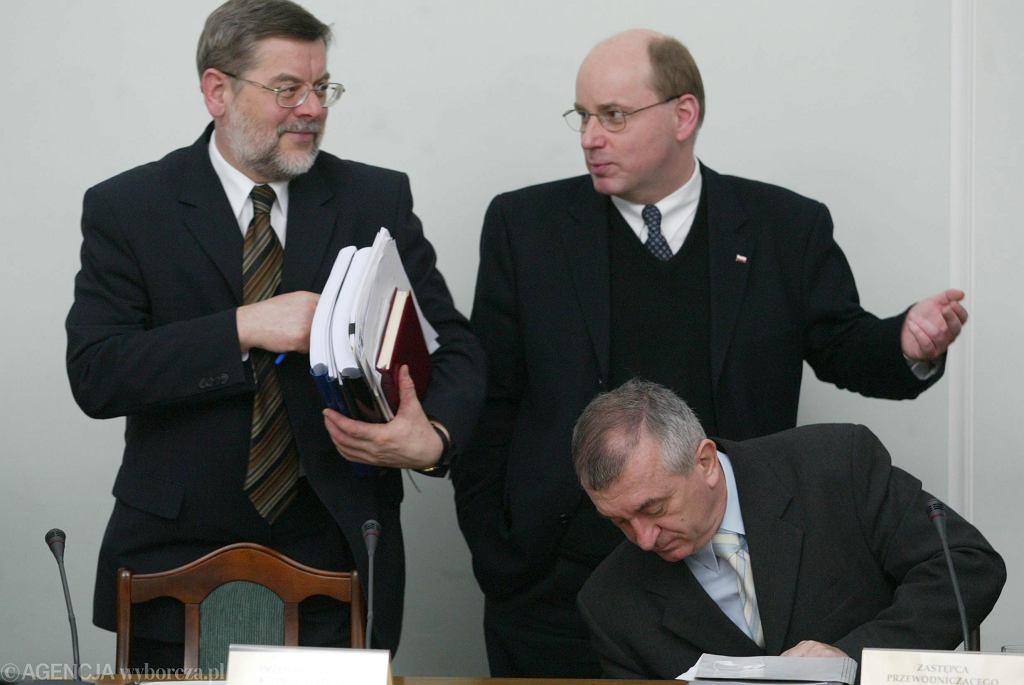 Członkowie komisji śledczej ds. afery Rywina nie zrobili oszałamiających politycznych karier