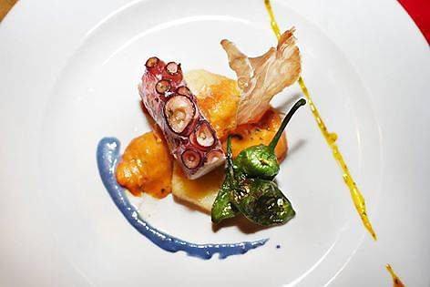 Ośmiornica po iberyjsku z restauracji La Iberica / UNKNOWN