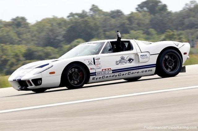 Ford GT najszybszym autem z homologacją drogową na dystansie jednej mili