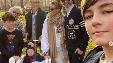 Małgorzata Rozenek na rodzinnym spacerze z dzieckiem