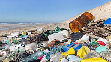 Śmieci  zabijają życie w oceanie