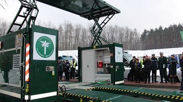 Mobilna stacja do szczegółowej kontroli samochodów