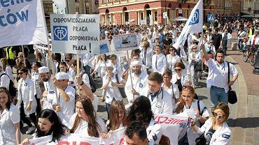 Manifestacja lekarzy-rezydentów w Warszawie