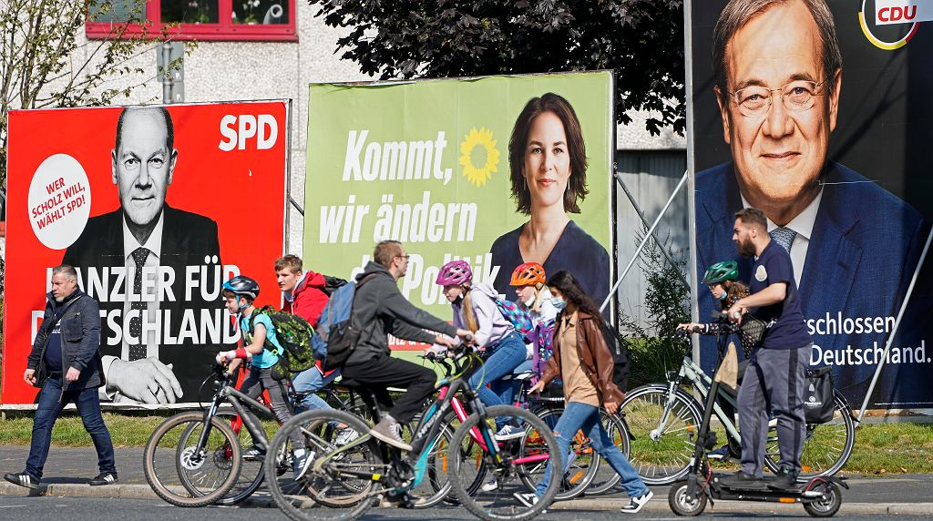 Wybory w Niemczech, na zdjęciu od prawej kandydaci głównych partii: Armin Laschet z CDU, Annalena Baerbock z Zielonych i Olaf Scholz z SPD.