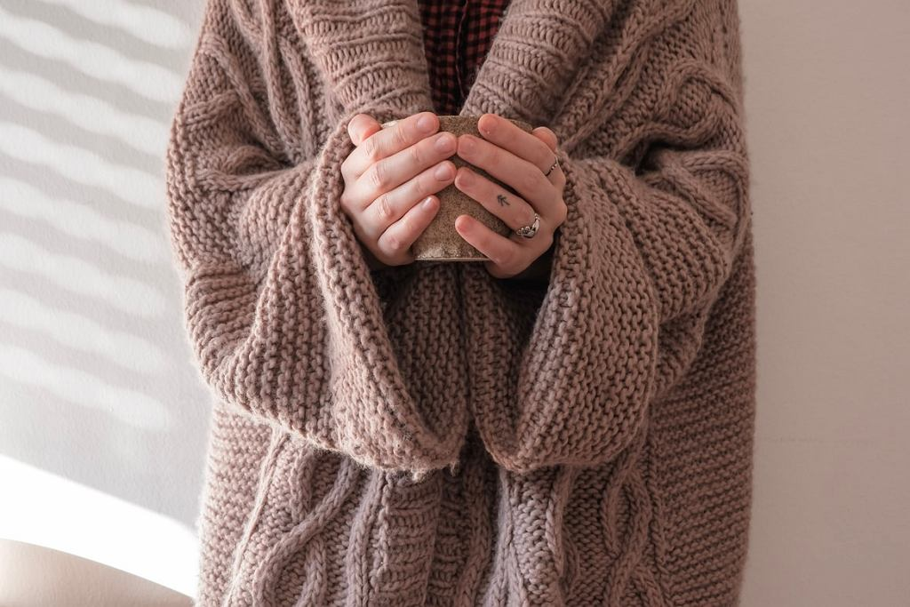 sweter na jesień zdjęcie ilustracyjne