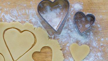 Co zrobić, by metalowe foremki do ciastek nie rdzewiały? Zdradzamy sposób.