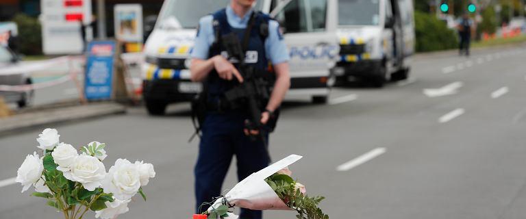 Nowa Zelandia. Mieszkańcy dobrowolnie oddają broń półautomatyczną