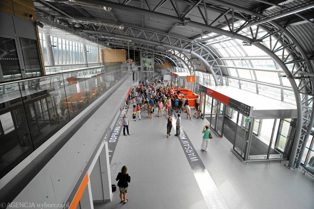 Hala lotniska w Modlinie