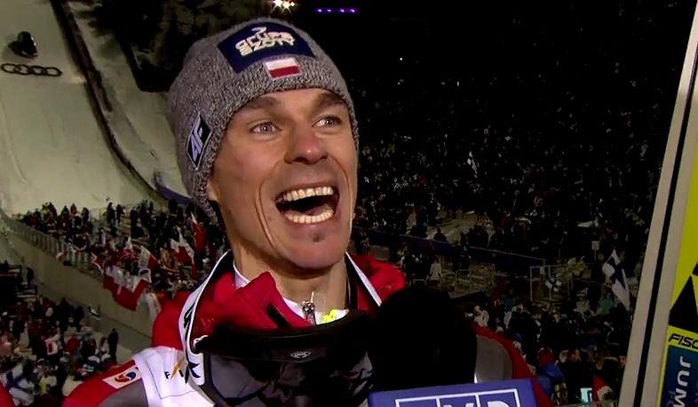 Piotr Żyła cieszy się ze złotego medalu mistrzostw świata w Lahti