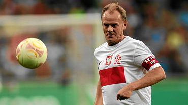 Donald Tusk 'harata w gałę'. Mecz piłkarski politycy konta gwiazdy TVN. Warszawa, 2 września 2012