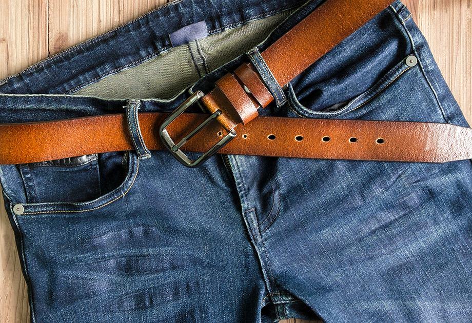 57c7ae9099ba4 Jak dobrać pasek do spodni jeansowych i garnituru?