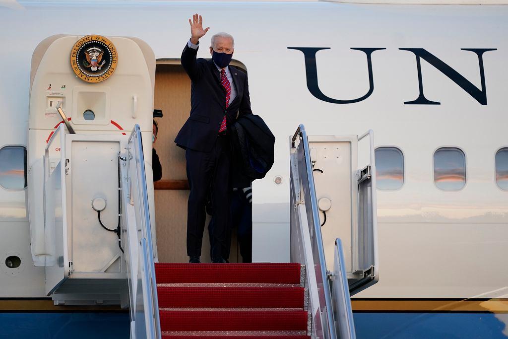 Prezydent Joe Biden w bazie Andrews, zdjęcie z 5 lutego
