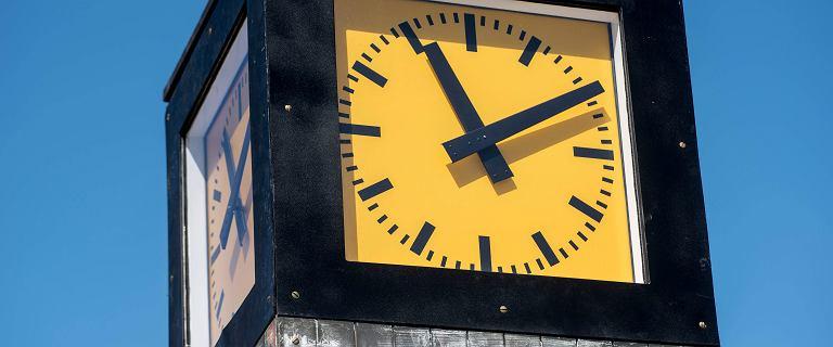 Zmiana czasu już w ten weekend. Kiedy dokładnie przestawiamy zegarki?