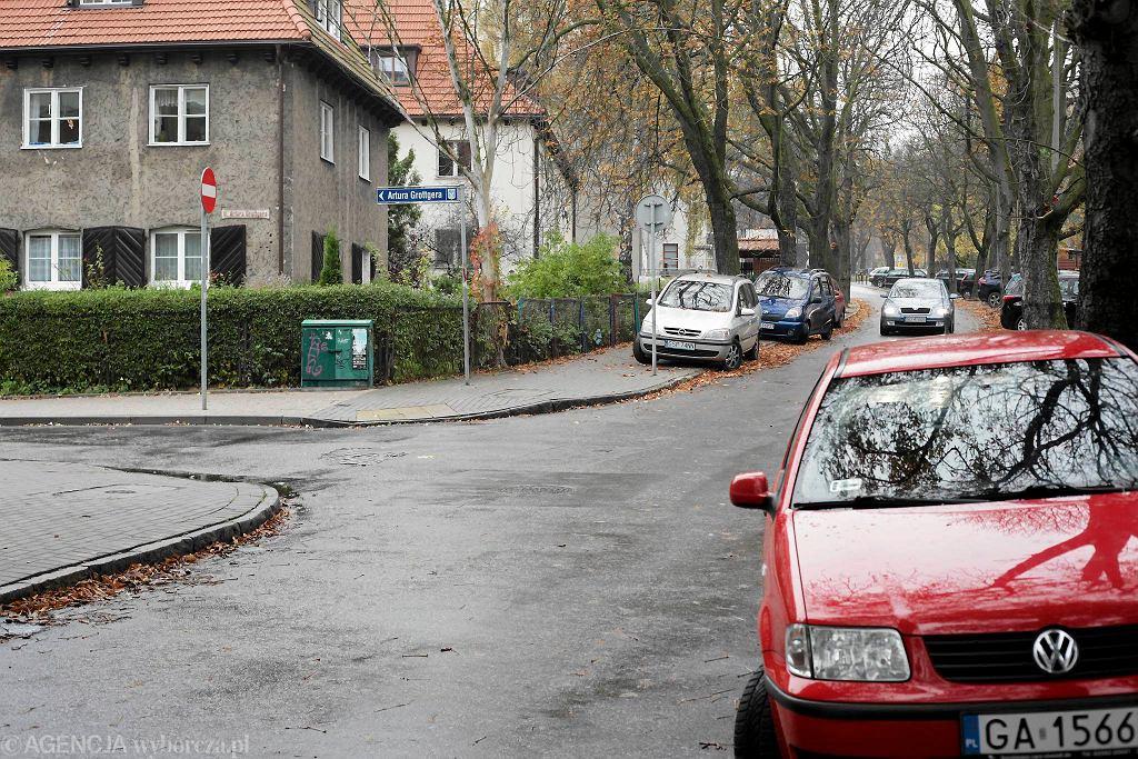 Skrzyżowanie ulic 23. Marca i Grottgera.