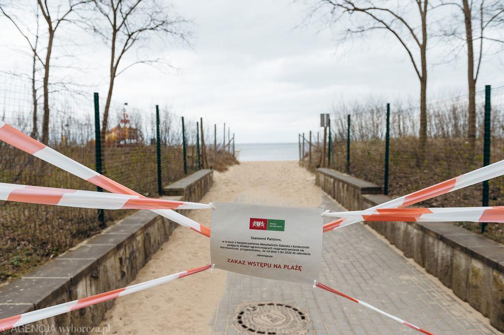 Zamknięte wejście na plażę w Brzeźnie