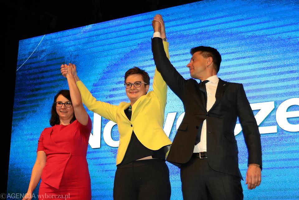 Kamila Gasiuk-Pihowicz, Katarzyna Lubnauer i Ryszard Petru podczas konwencji Nowoczesnej. 25.11.2017