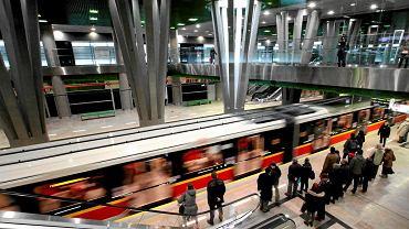 Warszawskie metro. Zdjęcie ilustracyjne