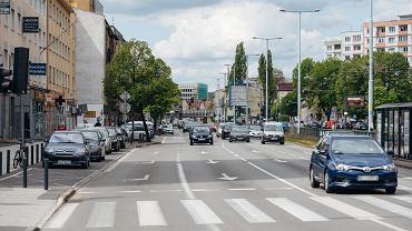 Gdańsk Wrzeszcz. Na al. Grunwaldzkiej między Klonową, a Partyzantów miejsca parkingowe zostaną przeniesione na pas manewrowy