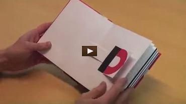 Ta artystyczna, trójwymiarowa książka typu pop up jest jak małe dzieło sztuki! Każda z przedstawionych w książce 26 liter jest ruchomym elementem.