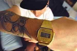 Pamiętacie ten zegarek z dzieciństwa? Teraz powraca i jest dostępny w dobrej cenie
