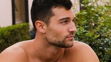 Simon z 'Hotelu Paradise'