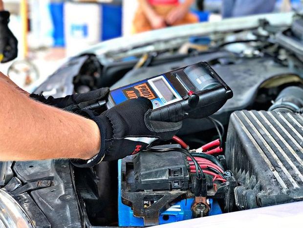 Top 5 najczęstszych błędów popełnianych podczas samodzielnych napraw samochodów