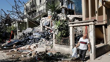 """""""Wskrzesimy miasto własnym potem i łzami"""". Raport z gruzów Bejrutu"""