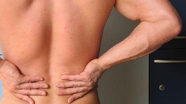 Ból pleców u młodych osób może być objawem poważnej choroby