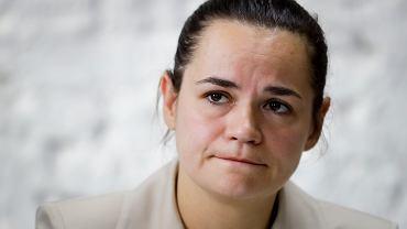 Główna rywalka Łukaszenki Swiatłana Cichanouska była przetrzymywana w siedzibie Centralnej Komisji Wyborczej. We wtorek rano, szef litewskiego MSZ Linas Linkevicius poinformował na Twitterze, że Cichanouska jest bezpieczna i przebywa na Litwie.