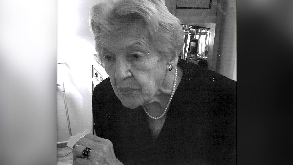 W domu seniora Pani Stanisaława miała adoratora. Pisał do niej listy zaczynające się: 'Witaj Stanisławo, My Lady'